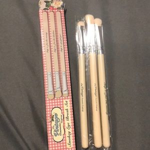 Vintage makeup brushes never used